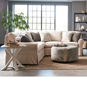 Craftmaster > 9228 Sectional